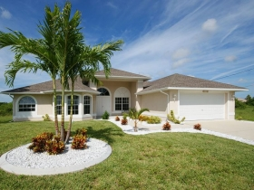 Villa Tropical Dream in SW Cape Coral, mit Pool, Kanal & Golfzugang